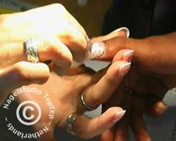 fiberglas op nagel